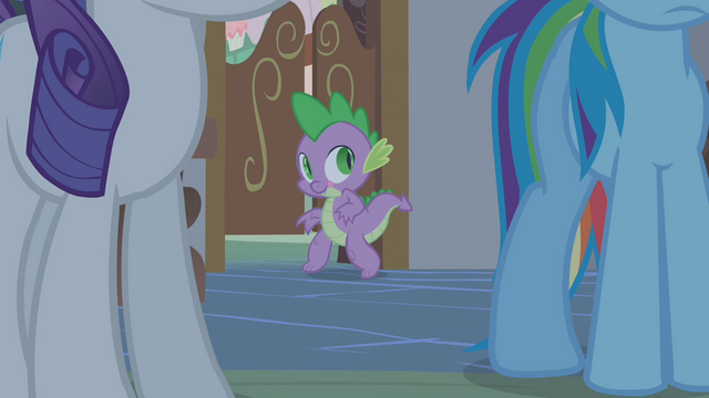 File:Spike sneaking into the kitchen S1E09.png