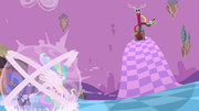 Discord laughing at the princesses S4E02