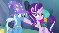Starlight Glimmer plugs Trixie's muzzle S6E26