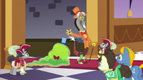 Discord and the Smooze's grand entrance S5E7