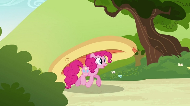 File:Pinkie Pie bringing her boat S3E03.png