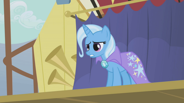 File:Trixie talking at Rainbow Dash S1E06.png