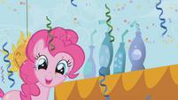 Pinkie next to sarsaparilla S1E03