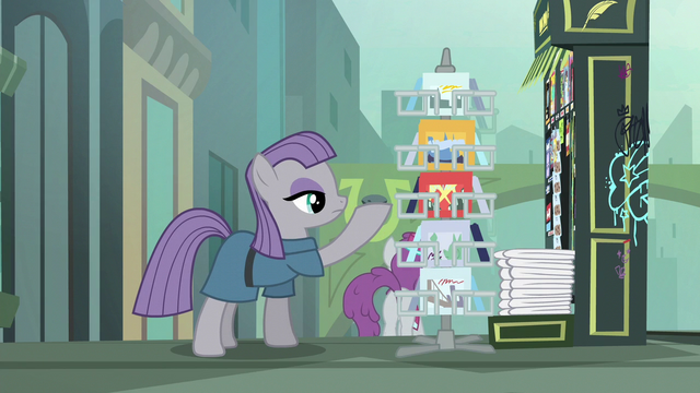 File:Maud Pie showing Boulder some postcards S6E3.png