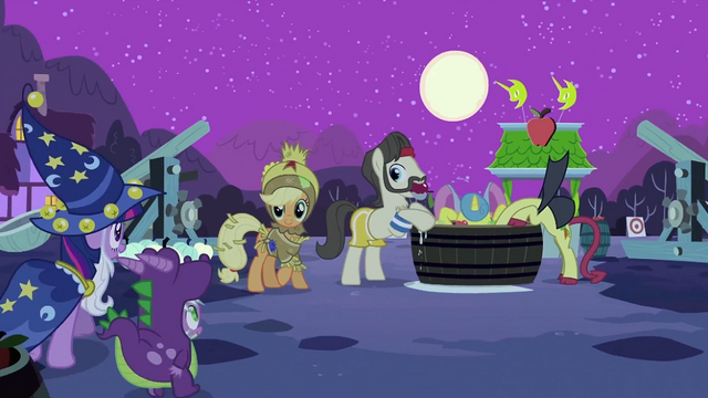 File:Twilight, Spike and Applejack S2E04.png