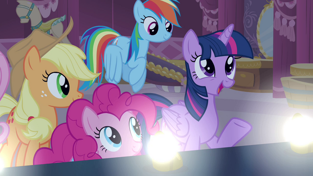 File:Twilight 'You really have put a lot of effort' S4E13.png