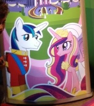 File:Shining Armor Princess Cadance royal wedding stand Hasbro December 2011.jpg