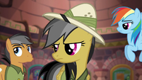Daring Do glares at Quibble Pants S6E13