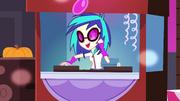 DJ Pon3 DJing EG