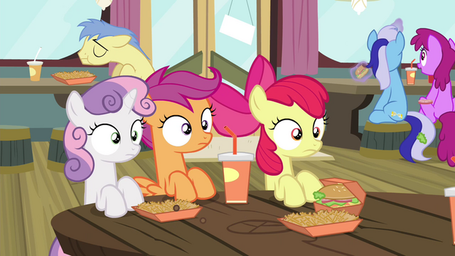 File:CMC sees Twilight eating S4E15.png