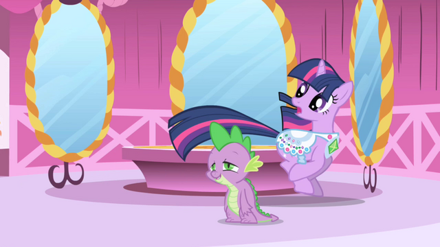 File:Twilight retreats from Rarity S1E1.png