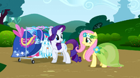 Fluttershy talks to Rarity S1E20