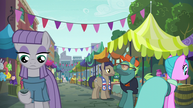 File:Maud Pie at Manehattan flea market S6E3.png