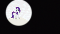 Rarity first entering shot S3E13