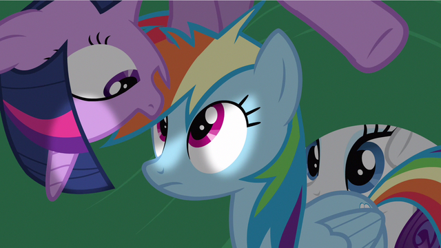File:Rarity peeking in S2E21.png