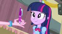 Twilight looks a pen EG