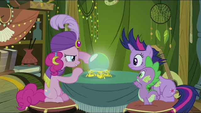 File:Pinkie Pie sees something S2E20.png