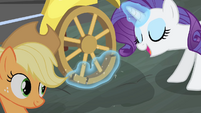 Rarity fixes the cab's wheel S4E08