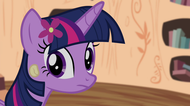 File:Twilight looking back to CMC S4E15.png