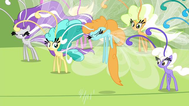 File:Breezie sneezes S4E16.png