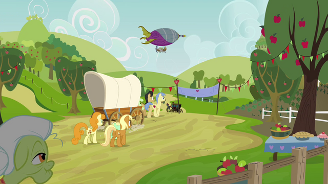 File:Granny Smith watches Apple family leave S3E08.png