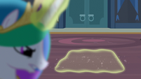 Princess Celestia using magic on compartment S4E02