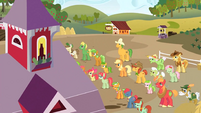 Apple family at the barn S3E8