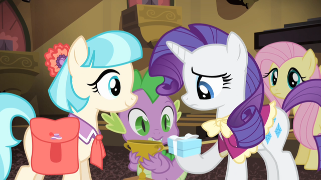 File:Rarity being given the box S4E08.png