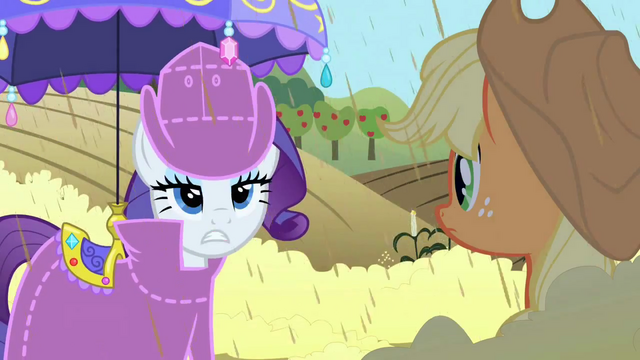 File:Rarity helping S02E01.png