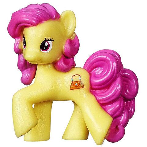 File:Wave 11 Blind Bag Pursey Pink.jpg