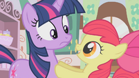 Apple Bloom tells Twilight to try again S01E12