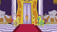 The royal guards S5E15