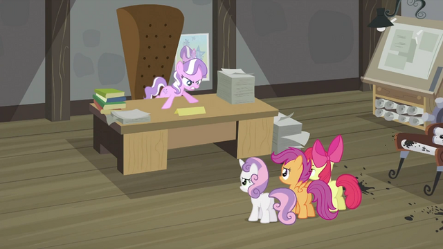 File:Diamond Tiara does not want CMC to quit S2E23.png