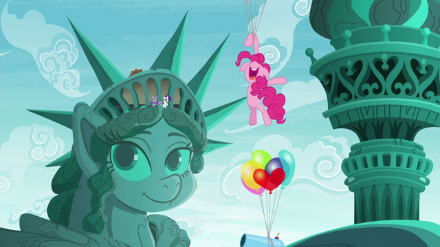 File:Maud and Rarity sees Pinkie floating S6E3.png