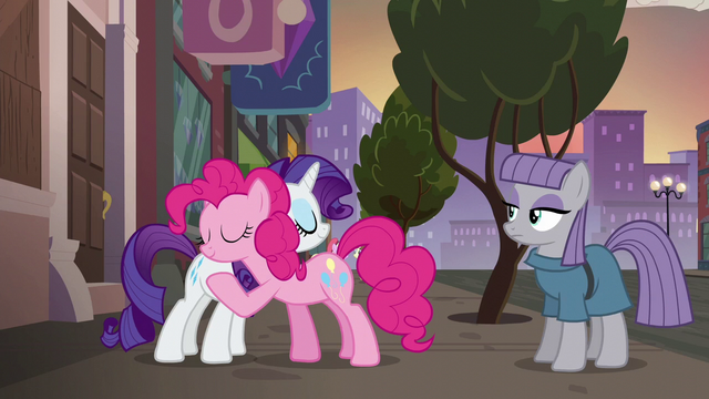 File:Pinkie Pie and Rarity hugging S6E3.png