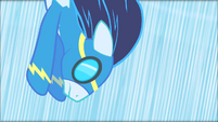 Soarin' trying to rescue Rarity S01E16