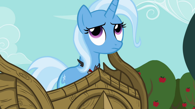 File:Trixie rolls her eyes S3E05.png