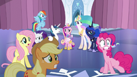 Ponies in shock and fright S6E1