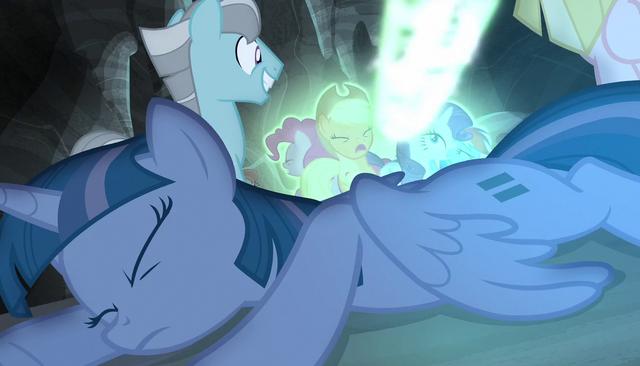 File:Bolt of magic strikes Twilight's friends S5E1.png