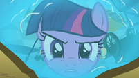 Twilight in Applejack's reflection S2E1