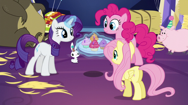 File:Rarity, Pinkie, and Fluttershy with jewel cupcakes S5E3.png