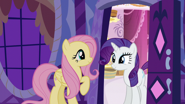 File:Fluttershy greeting Rarity S6E11.png