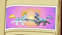 Picture of two ponies jousting S3E01