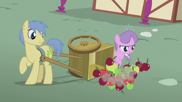 File:Diamond topples Goldengrape's apple cart S5E18.png
