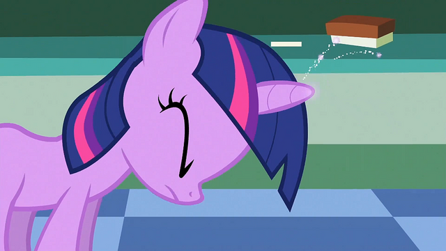 File:Filly Twilight struggling to use her magic S1E23.png