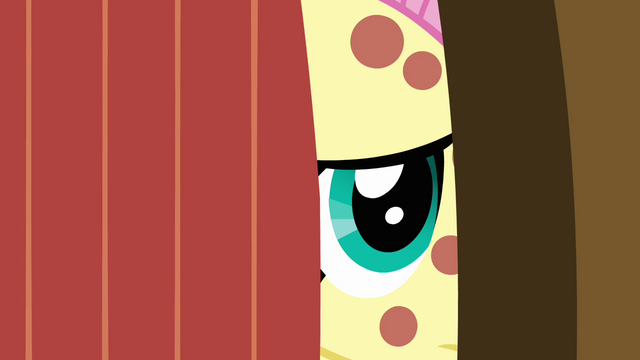 File:Fluttershy opens the door S2E22.png