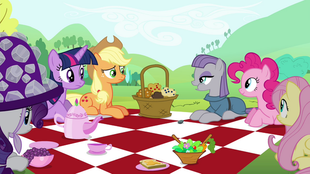 "File:Maud ""It's crunchy"" S4E18.png"