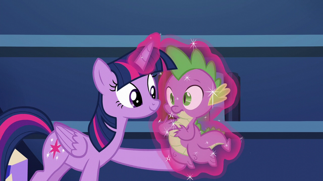 File:Twilight levitates Spike to her S5E22.png