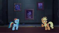 Rainbow and Applejack argue S4E03