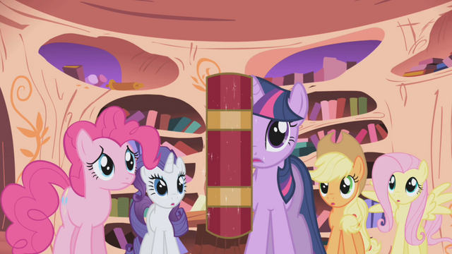 File:Twilight not using magic S01E02.png